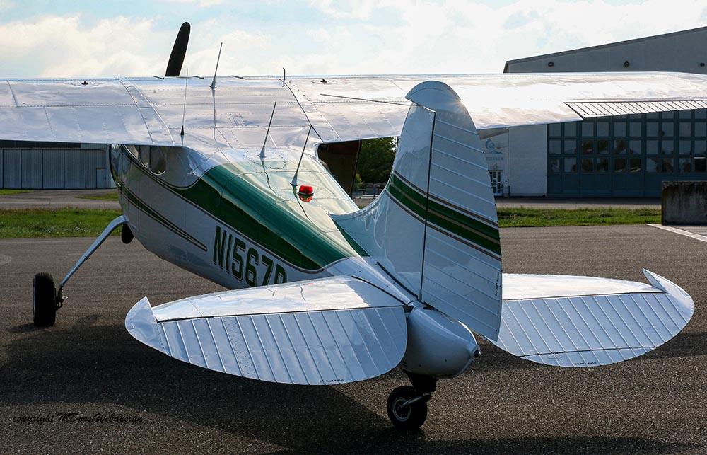 Cessna_195_2015-09-2621.jpg