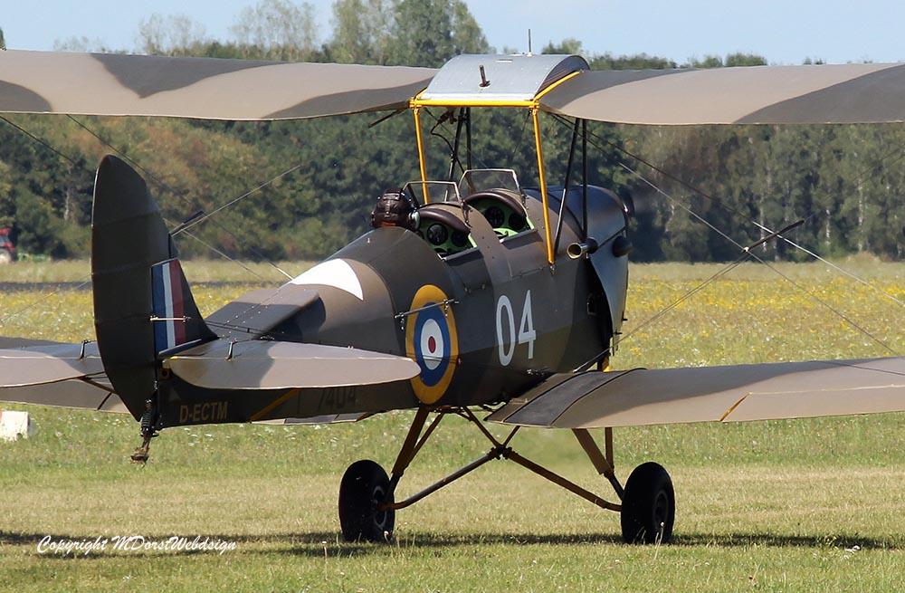 De_Havilland_TigerMoth_D-ECTM_2012-08-17_-30.jpg