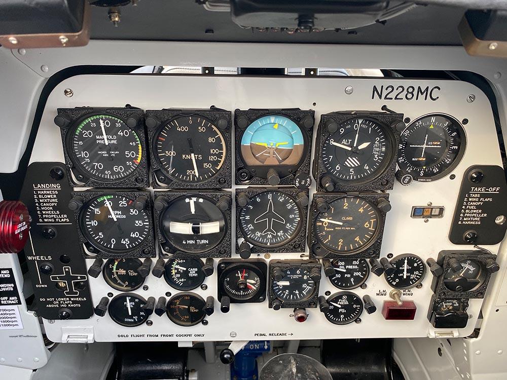 NAA_T-28_N228AC_flight_-33.jpg