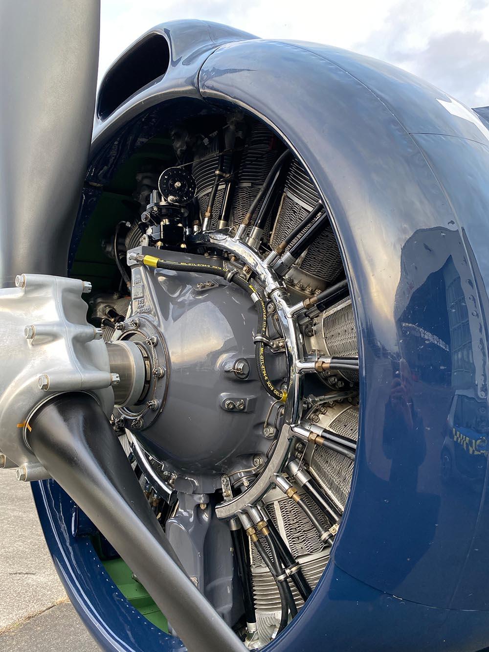 NAA_T-28_N228AC_flight_-51.jpg