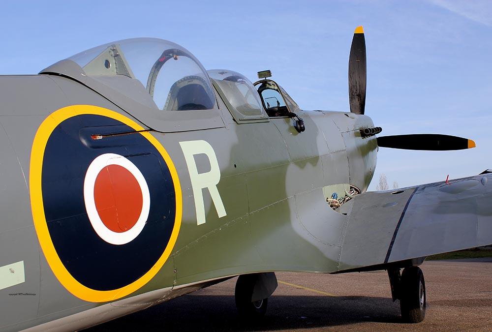 Spitfire_T9_D-FMKN_2011-11-2522.jpg