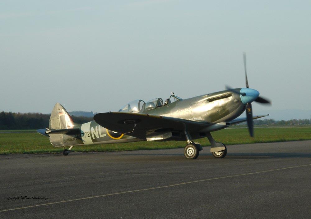 Spitfire_T9_D-FMKN_2012-04-202.jpg