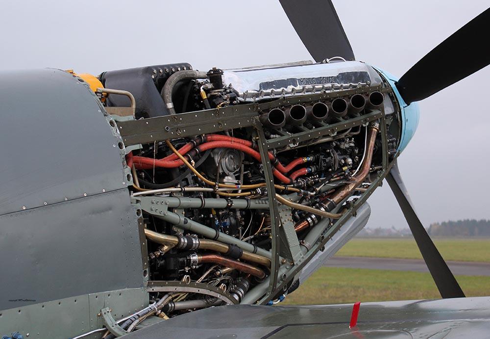 Spitfire_T9_D-FMKN_2012-11-165.jpg
