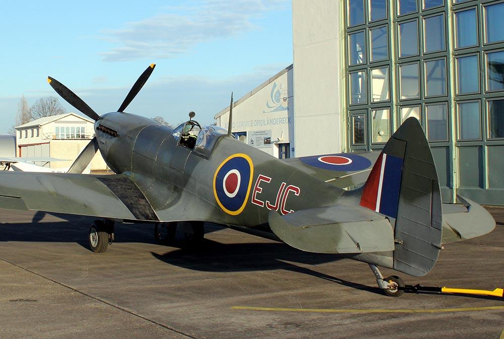 Spitfire_MkXVI_TE184_2012-02-2415.jpg