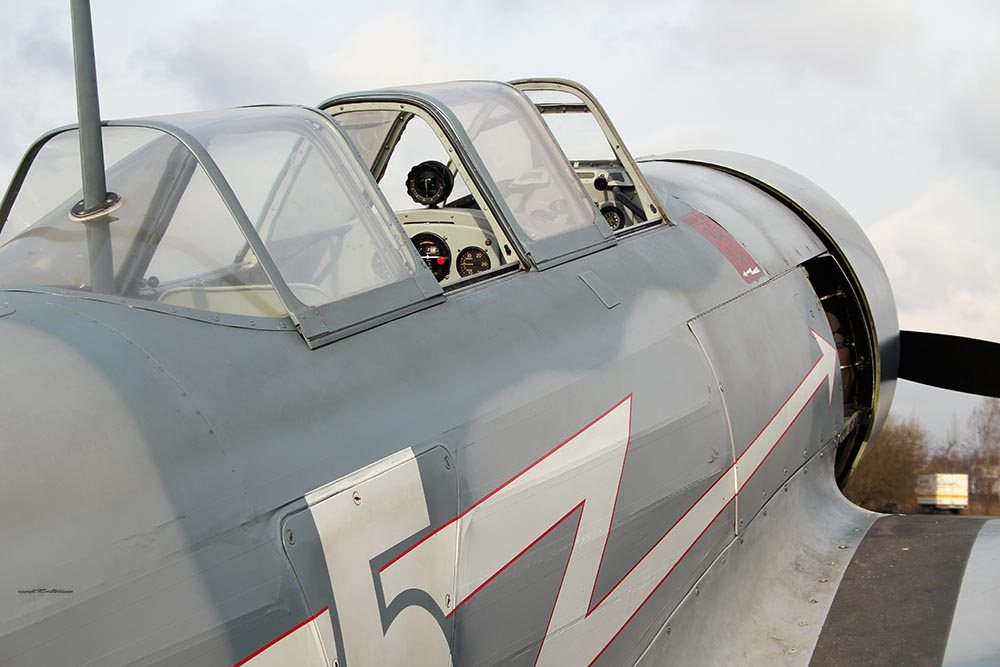 Yak-11_D-FJII_2011-02-256.jpg