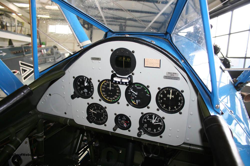 Boeing_Stearman_N75MR25.jpg