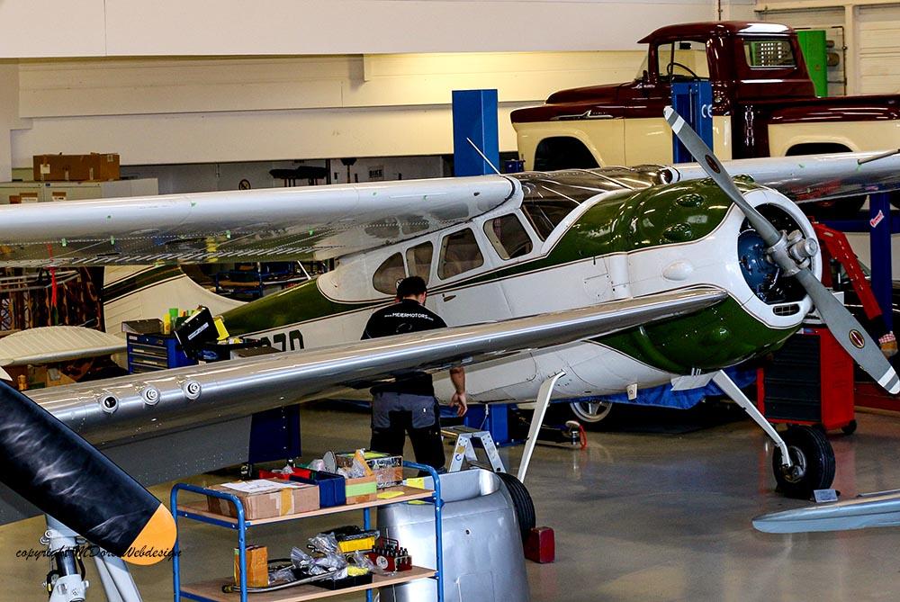 Cessna_195_2014-11-141.jpg