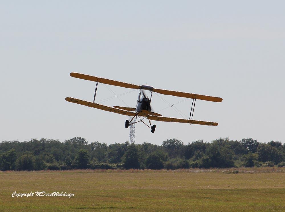 De_Havilland_TigerMoth_D-ECTM_2012-08-17_-17.jpg