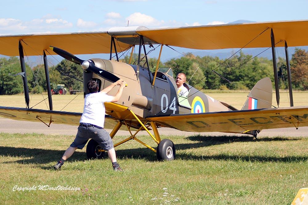 De_Havilland_TigerMoth_D-ECTM_2012-08-17_-4.jpg