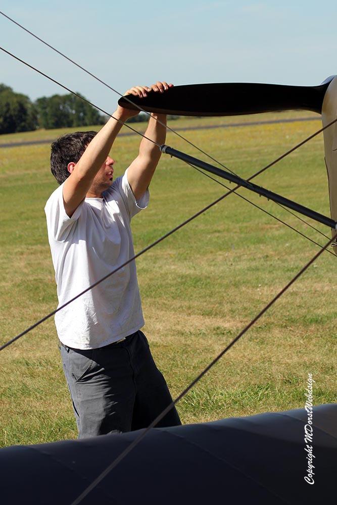 De_Havilland_TigerMoth_D-ECTM_2012-08-17_-7.jpg