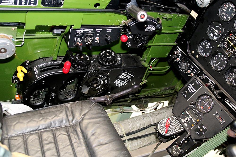 P-51_Dutchman_cockpit_2015-01-1910.jpg