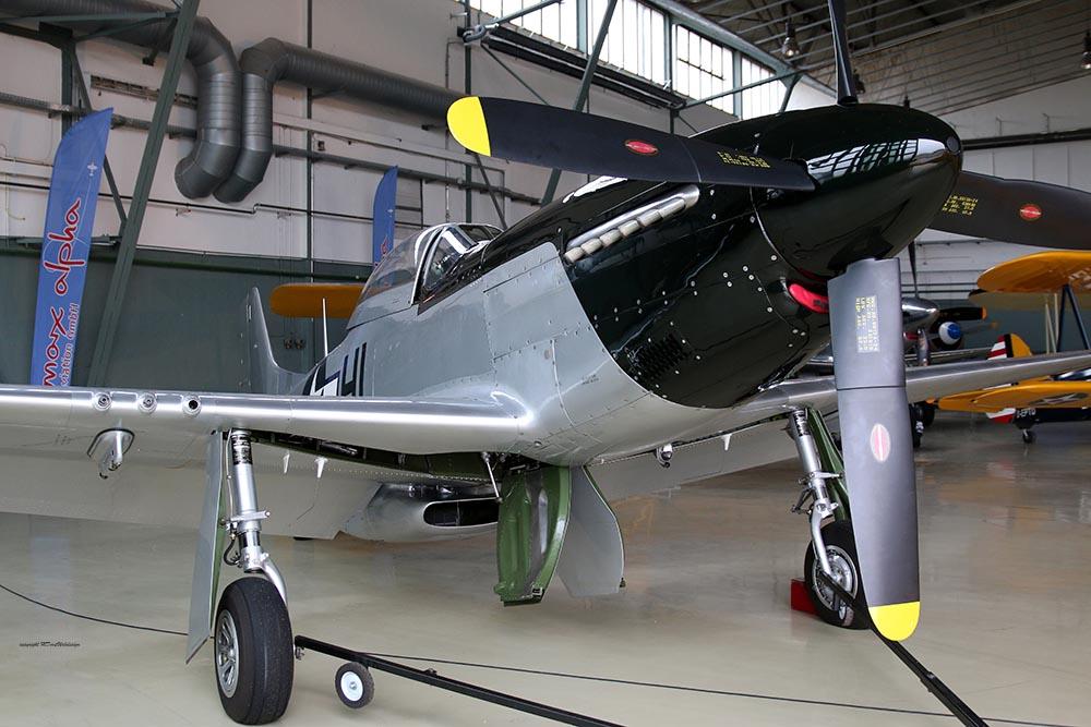 P-51_FlyingDutchman_2015-11-021.jpg