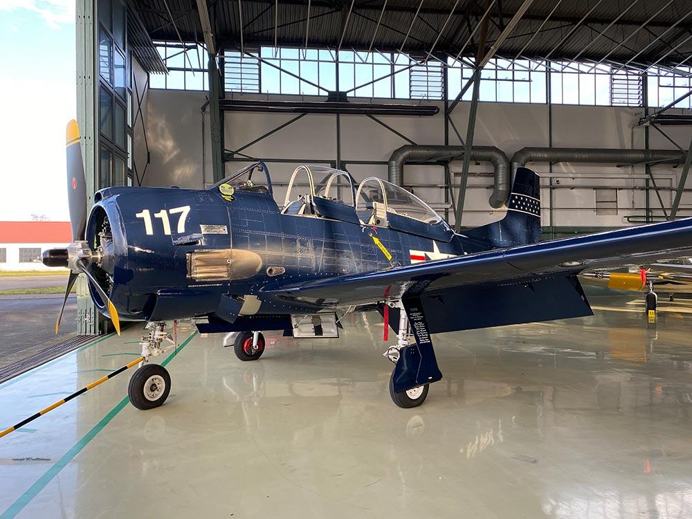 NAA_T-28_N228AC_flight_-11.jpg