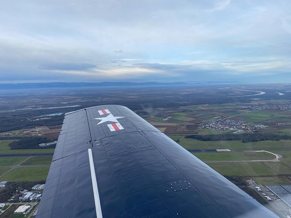 NAA_T-28_N228AC_flight_-20.jpg