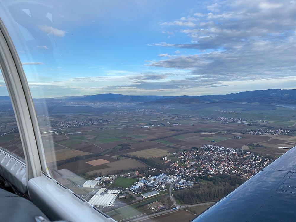 NAA_T-28_N228AC_flight_-25.jpg