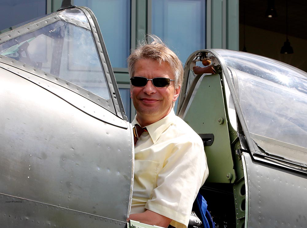 Spitfire_MkXVI_TE184_2011-05-203.jpg