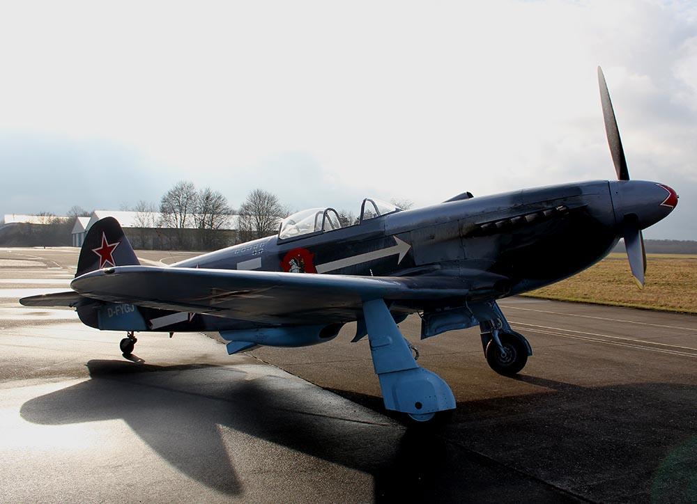 Yak-3_D-FYGJ_2011-02-2512.jpg
