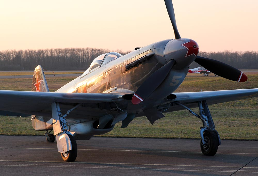 Yak-3_D-FYGJ_2013-03-15_12.jpg