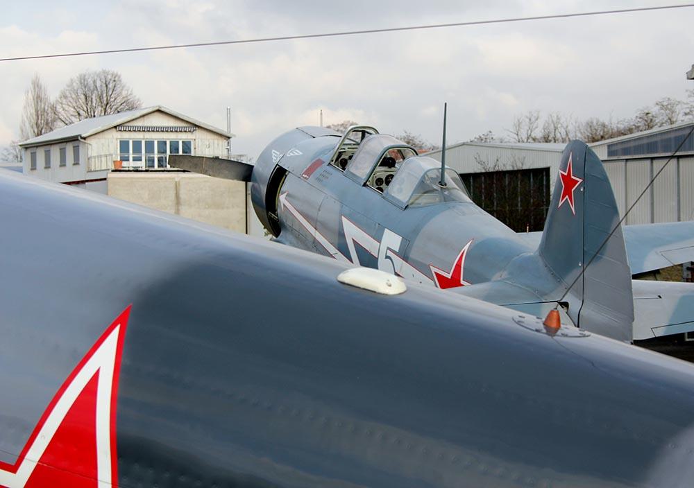 Yak-11_D-FJII_2011-02-259.jpg