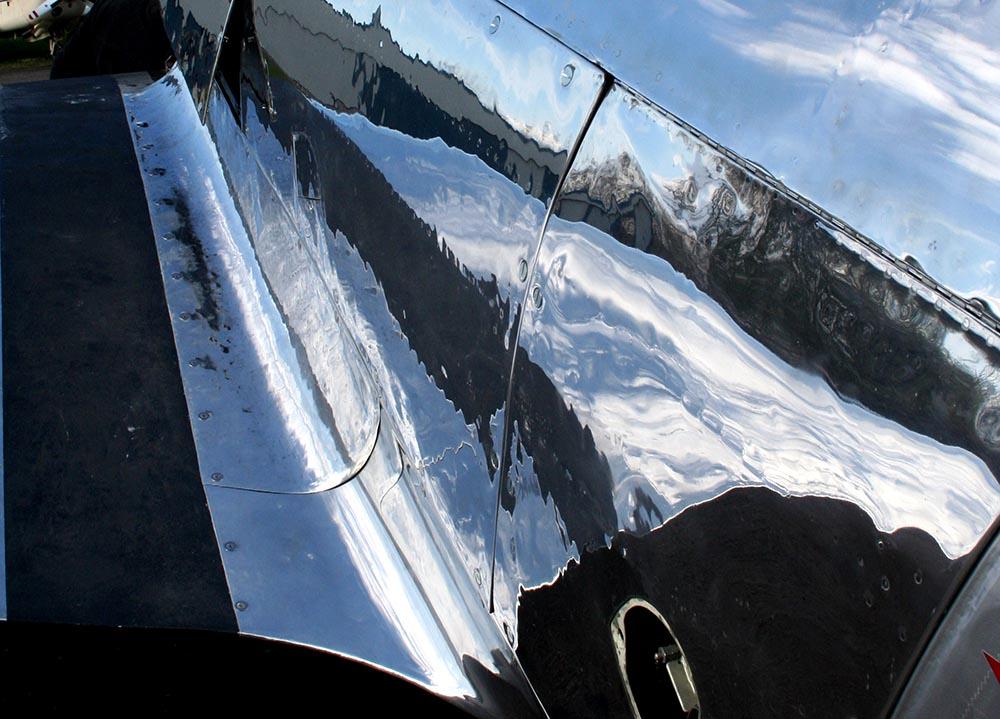 Yak-11_D-FMAX_2010-03-29_-21.jpg